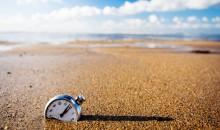 clock-in-sand
